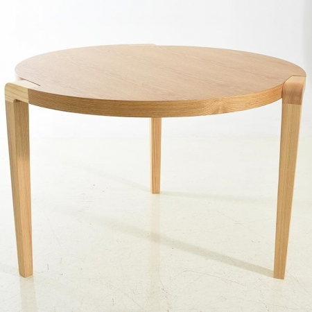 robin round table