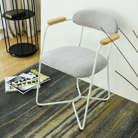 timou chair